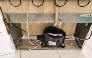 Типичные неисправности холодильников. Вода под холодильником.